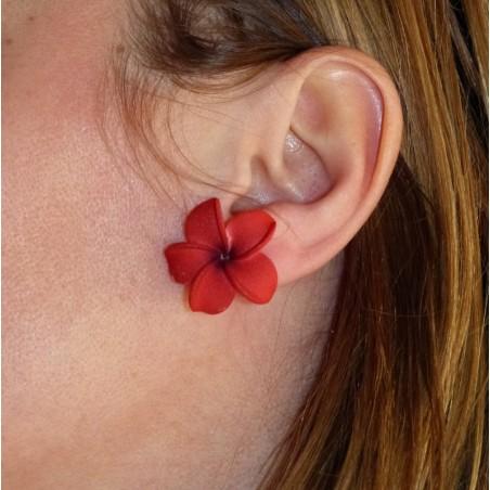 Petite boucle d'oreille fleurs rouge