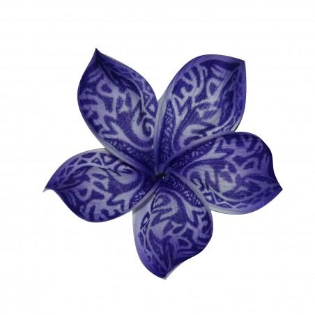 Pic fleur tatouée